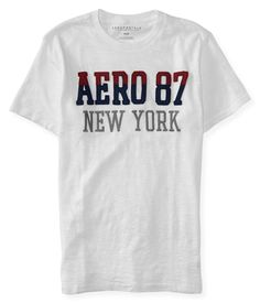 229dbbc2f6 Camiseta Aeropostale masculina com tecido super encorpado. Possui aplique  em alto relevo e bordado. O aplique é em duas tonalidades, azul e vinho, ...