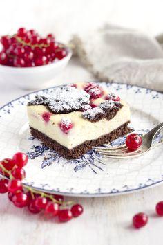 leichter, fettarmer russischer Zupfkuchen - Quarkmasse mit Gries ohne Fett stabil - http://www.backenmachtgluecklich.de/experimente/fettarmer-russischer-zupfkuchen.html