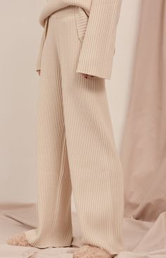 Lounge Wear - Cozy Knitted Superior Midsection Vast Leg Pants – LePastell – the latest lounge wear , fashion , pants pattern , lounge outfit Look Fashion, Winter Fashion, Fashion Outfits, Womens Fashion, Fashion Design, Fashion Trends, Fashion Beauty, Travel Outfits, Knit Fashion