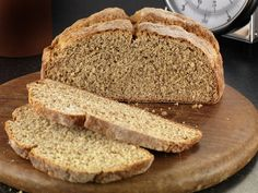 TRADITIONAL BROWN BREAD Method:Preheat the oven to Lightly grease a deep cake tin or two loaf tins.Sieve the cream flour, salt, bread soda and cream of tartar into a bowl.Add the wheatmeal, oat bran, wheat germ and wheat bran… Odlums Recipes, Retro Recipes, Irish Recipes, Bread Recipes, Baking Recipes, Recipies, Irish Brown Bread, Irish Bread, Brown Soda Bread Recipe