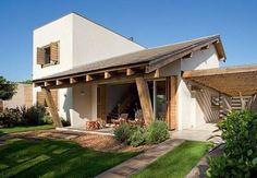 Pequena casa de campo. http://www.decorfacil.com/fachadas-de-casas-de-campo/ #fachadasdecasasdecampo