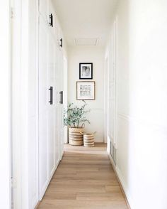 Style At Home, Home Renovation, Home Remodeling, Cheap Home Decor, Diy Home Decor, White Home Decor, Decoration Hall, Hallway Designs, Hallway Ideas