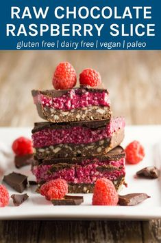 The layers of this raw chocolate raspberry slice work so well together; the chocolate nut base has the perfect crunch to it, the raspberry layer is soft and sweet and the chocolate layer will leave you wanting more. Thermomix method also included Raw Dessert Recipes, Raw Desserts, Paleo Dessert, Raw Food Recipes, Sweet Recipes, Thermomix Desserts, Healthy Recipes, Chocolate Slice, Chocolate Topping