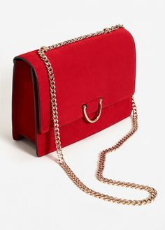 Latest trends in women's fashion. Discover our designs: dresses, tops, jeans, shoes, bags and accessories. Cute Handbags, Purses And Handbags, Mango Handbags, Red Purses, Leather Chain, Leather Bag, Red Leather, Sacs Design, Girls Bags