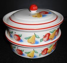 TWO VINTAGE HARKER POTTERY CASSEROLE DISHES WITH ONE LID