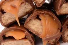No-Bake Chocolate Recipe: Homemade Chocolate Caramel Twix Bars - Save recipe on iPhone by ONE snap via Sight (Check How: https://itunes.apple.com/us/app/sight-save-articles-news-recipes/id886107929?mt=8