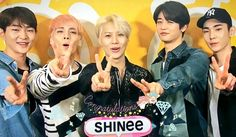 #SHINee_JapanDebut5year hashtag a Twitteren