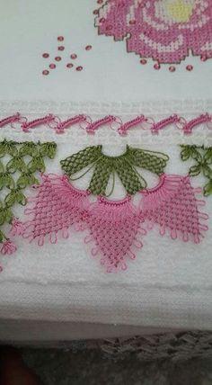 This Pin was discovered by İna Crochet Doilies, Knit Crochet, Crochet Edgings, Homemade Marshmallow Fluff, Dog Door Mat, Knitting Patterns, Crochet Patterns, Viking Tattoo Design, Sunflower Tattoo Design