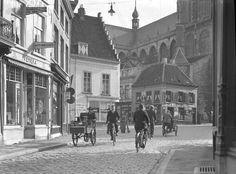 Breda. In de dertiger jaren. Vismarktstraat en Havermarkt.