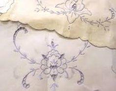 Resultado de imagem para Vintage Linen Centerpiece Doily with Madeira Embroidery by LinensandThings, $20.00
