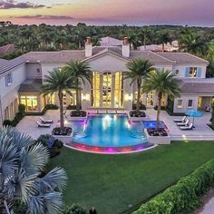 """Billionaire Estates: """"Exceptional views from this custom estate home situated on the finest lot in prestigious Old Palm. Stately and elegant, this thoughtfully…"""" Big Houses Exterior, Dream House Exterior, Big Mansions, Mansions Homes, Dream Home Design, My Dream Home, Millionaire Homes, Dream Mansion, Bungalow House Design"""