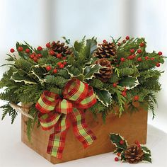 Cedarwood Holiday Centerpiece