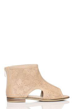 Sandały damskie płaskie w sklepie internetowym Kari.com. W ofercie posiadamy produkt: Sandały damskie płaskie Darmowa wysyła, możliwość zwrotu, najnowsze trendy. Sprawdź nasz promocje.