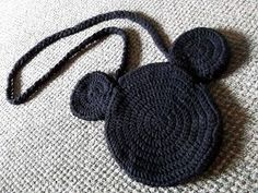 Mickey Mouse Bag : You'll need: Crochet Hook mm) Black Yarn Yarn Darner/Needle OPTIONAL: Whatever you want the strap to be. Disney Crochet Patterns, Crochet Purse Patterns, Crochet Disney, Crochet Handbags, Crochet Purses, Crochet Bags, Crochet Hooks, Crochet Mickey Mouse, Minnie Mouse