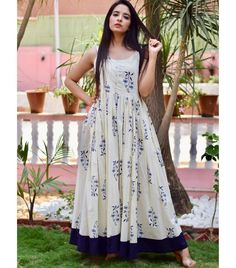 Versatile and timelessly chic 💗 . Frock Fashion, Fashion Dresses, Simple Dresses, Casual Dresses, Long Gown Dress, Sari Dress, Casual Frocks, Kalamkari Dresses, Frocks And Gowns