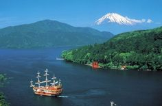 "Hakone ""Pirate Ship"" Sailing on the Lake (with Mt. Fuji in background) [500x330]"