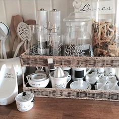 Romantic lifestyle Rivera Maison, Coffee Bars In Kitchen, Kitchen Organisation, Home Comforts, Home Kitchens, Home Furniture, Kitchen Decor, Sweet Home, Shabby Chic