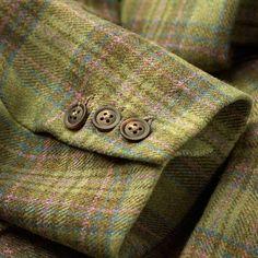 A wonderfully soft tweed woven Somerset. British Country, Elegant Man, Textiles, Moda Vintage, Scottish Tartans, Horse Girl, Harris Tweed, Tweed Jacket, Tartan Plaid