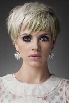 Stylish Short Hair, Very Short Hair, Short Hair With Bangs, Short Hair Cuts, Short Hair Styles, Short Pixie Haircuts, Pixie Hairstyles, Hairstyles With Bangs, Pretty Hairstyles