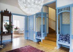 Romantiskt sekelskifte på en ö i skärgården   Leva & bo   Heminredning Allt för Hus & Hem   Expressen.  Like the little built-in chairs.