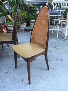 This Is A Super Awesom Mid Century Modern Dining Set Manufactured By  Stakmore. Use Everyday As A Small Round Table With Four Standard Chairs But  When ...
