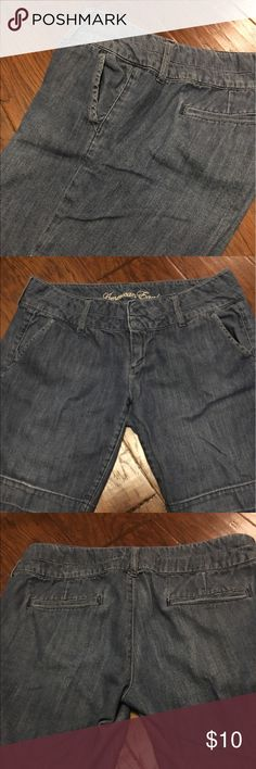 American Eagle Shorts American Eagle lightweight jean shorts in excellent condition with front slide pockets and two back pockets. American Eagle Outfitters Shorts Jean Shorts