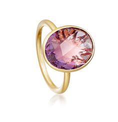 Amethyst gemstone set in 18 carat yellow gold sterling silver plate from Astley Clarke Stilla collection. #astleyclarke #gemstone #amethyst #ring #stackingring #jewellery #jewelry