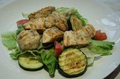 Fotorecept: Šalát s grilovaným mäsom a cuketou
