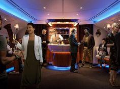 Lounge di bordo di First e Business Class Emirates  Se avete voglia di un cocktail o di scambiare due chiacchiere, troverete le lounge di bordo di First e Business Class.