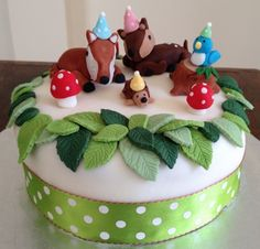 Woodland Animals Cake (Source: www.the-cupboard.co.uk)