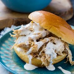 Alabama White Sauce, White Bbq Sauce, Sauce Barbecue, Spicy Recipes, Slow Cooker Recipes, Crockpot Recipes, Chicken Recipes, Drink Recipes, Delicious Recipes