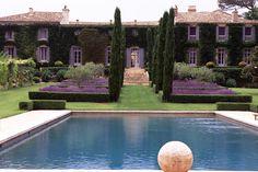 L'architecture relie le jardin et la maison-Dominique Lafourcade