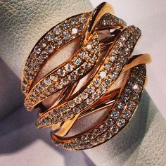 Rose gold and diamond fashion ring.