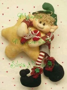 DUENDE ESTRELLA Christmas Sewing, Handmade Christmas, Christmas Holidays, Handmade Ornaments, Xmas Ornaments, Bazaar Crafts, Fairy Dolls, Christmas Images, Xmas Decorations