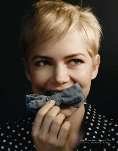 Michelle Williams. Pixie cut.