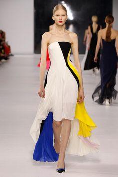 Christian Dior Resort 2014 - Runway Photos - Fashion Week - Runway, Fashion Shows and Collections - Vogue - Vogue Fashion Week, Runway Fashion, High Fashion, Fashion Show, Womens Fashion, Fashion Design, Fashion Trends, Net Fashion, Review Fashion