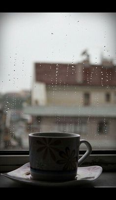 Rain and Coffee Rain And Coffee, Coffee And Books, Rain Photography, Coffee Photography, Photography Aesthetic, Coffee Quotes, Coffee Humor, Morning Coffee Funny, Rainy Wallpaper