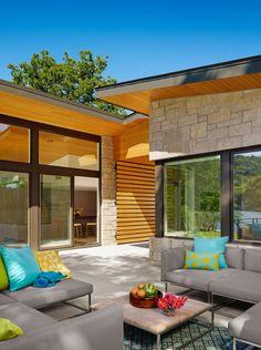 Diseño de terraza con piedra y madera
