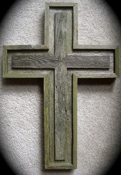 "RUSTIC CROSS RECLAIMED WOOD WEATHERED HANGING HAND MADE WESTERN CABIN 25"" X 17"""