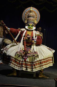 Kathakali - hinduski taniec wywodzący się z Kerali. Indie 2014
