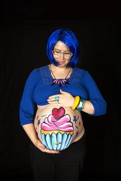 20 cute drawings to paint yourself on your pregnant tummy . - 20 cute drawings to paint yourself on your pregnant tummy # Adorable pregnant mus - Maternity Pictures, Pregnancy Photos, Bump Painting, Pregnant Belly Painting, Pregnant Halloween Costumes, Belly Art, Belly Casting, Belly Bump, Professional Photo Shoot