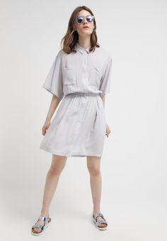 JUST FEMALE Skjortklänning - soft grey - Zalando.se