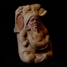 The man-made island of Jaina, off the northern coast of the Yucatan Peninsula in the State of Campeche, was an extremely important Mayan ritual and religious site in the Classic Period (600 – 900 AD).