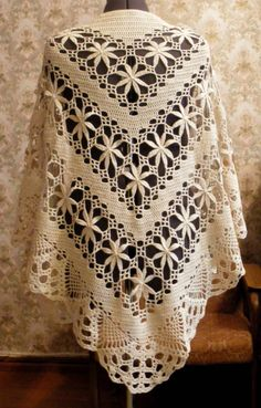 crochet shawl.  I want it!!!!                                                                                                                                                      Más