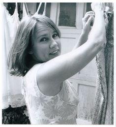 Iris DeMent - Easy's Gettin' Harder Every Day - American Folk Music Lyrics, Music Songs, Good Music, My Music, Aaron Copland, Kinds Of Poetry, John Prine, Precious Children, What Is Love