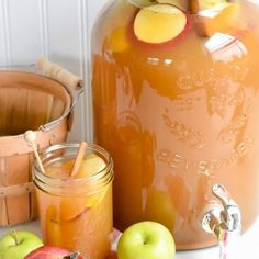 Thanksgiving Punch for a Crowd - Thanksgiving Drinks Thanksgiving Punch, Gluten Free Thanksgiving, Holiday Punch, Thanksgiving Recipes, Holiday Recipes, Thanksgiving Traditions, Holiday Foods, Fall Punch Recipes, Fall Recipes
