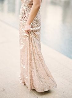Champagne glitter gown!!! Ok maybe we can figure out how to have rose gold glitter dresses. So many options....my mind is exploding