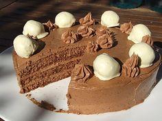 Acest delicios tort cu trufe de ciocolata ii este dedicat cu toata dragostea lui Cipi, cel mai bun sot din lume!!!!!!!!!! Tortul este atat de gustos, atat de fin, atat de perfect pentru noi. Pentru mine mai ales, caci are in compozitie si ciocolata si cafea, dupa care lesin de pofta!!! Mereu 😀 L-am facut … Romanian Desserts, Biscuit, Sweet Treats, Good Food, Dessert Recipes, Cooking Recipes, Pudding, Breakfast, Ethnic Recipes