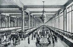 Dufayel - Paris - Galerie principale des caisses - 1913 | from : Une visite aux grands magasins Dufayel (ca 1913)