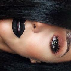 courtmontes | Websta BlackFriday ️Midnight (Liquid Lipstick) ️Morocco eyeshadow (Shadow Couture Palette) ️Iconic (House of Lashes) ️Pure White Chromaline (MacPro)